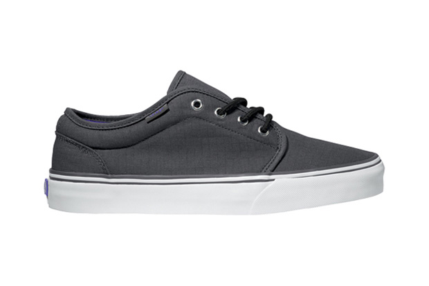 Image of Vans Classics 2011 Holiday 106 Vulcanized Ripstop Pack