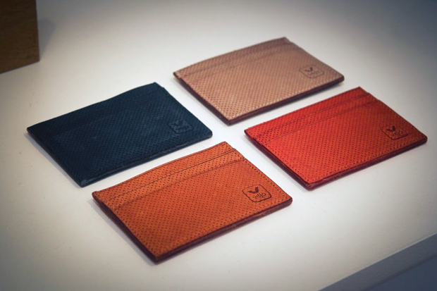 Image of Veja 2012 Spring/Summer Leather Accessories Preview