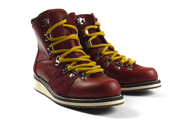 Image of White Mountaineering Odell Mountain Boots