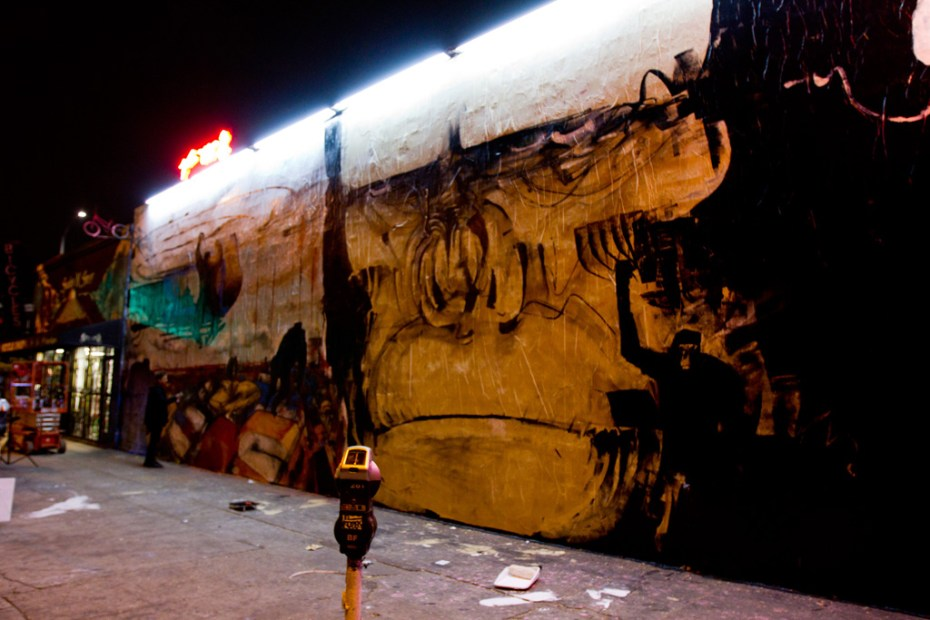 "Image of Anthony Lister ""Rise of the Planet of the Apes"" Mural @ Melrose Los Angeles"
