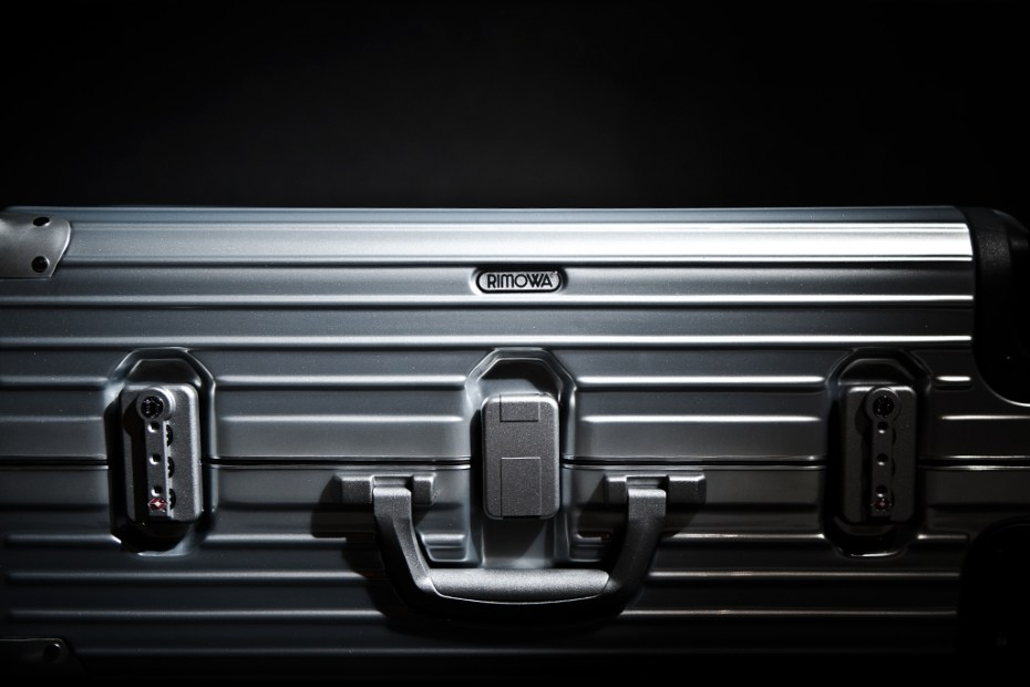 "Image of Lane Crawford x Rimowa ""Silver Crystal Limbo"" Collection"