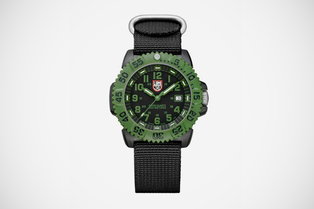 Image of Luminox Navy SEAL COLORMARK 3040 Series