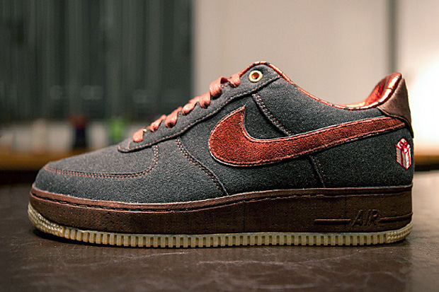 "Image of Nike Air Force 1 ""The Gift"" Further Look"
