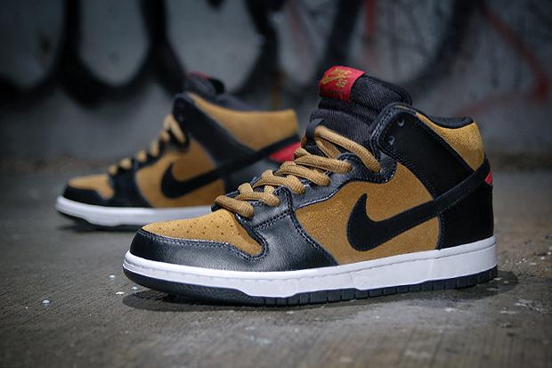 Image of Nike SB Dunk Mid Pro Golden Hops