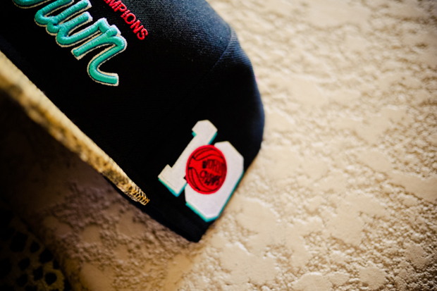 Image of UNDRCRWN 2011 Holiday Animal Print Snapback Caps