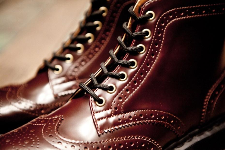 Image of BEAMS x Dr. Martens 7-Eye Brogue Boot