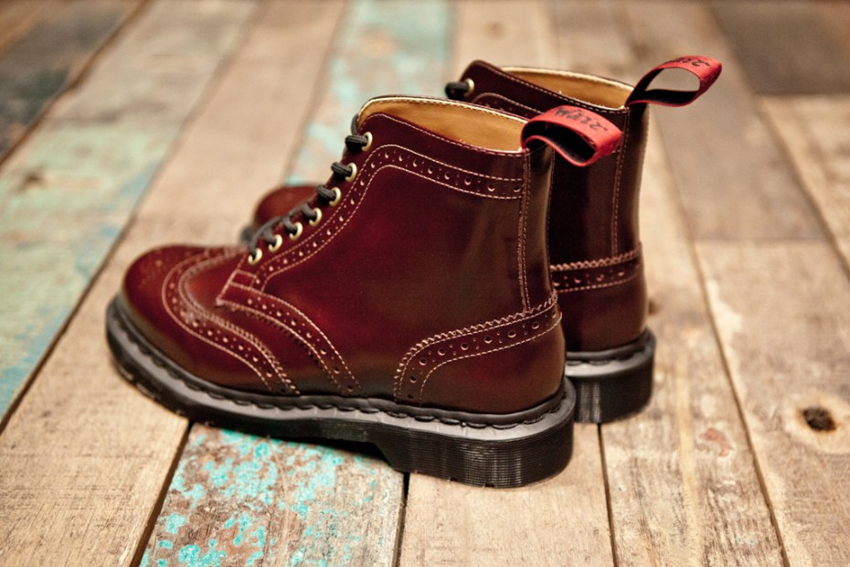Image of BEAMS x Dr. Martens 7-Eye Brogue Boot