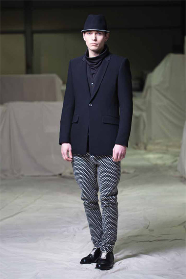 "Image of Cy Choi 2012 Fall/Winter ""Balloonist"" Collection"