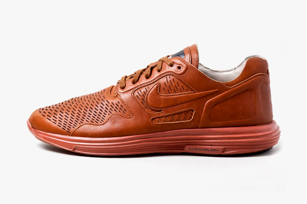 "Image of Nike Lunar Flow ""Hazelnut"" Preview"