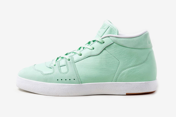 "Image of Nike Manor ""Fresh Mint"" Preview"