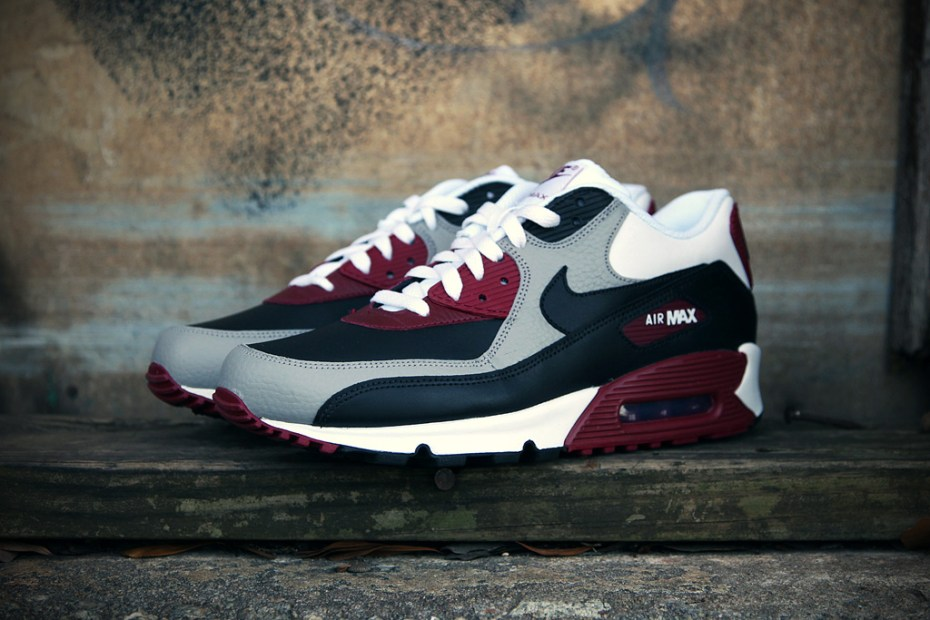 "Image of Nike Sportswear Air Max 90 ""Medium Gray"""