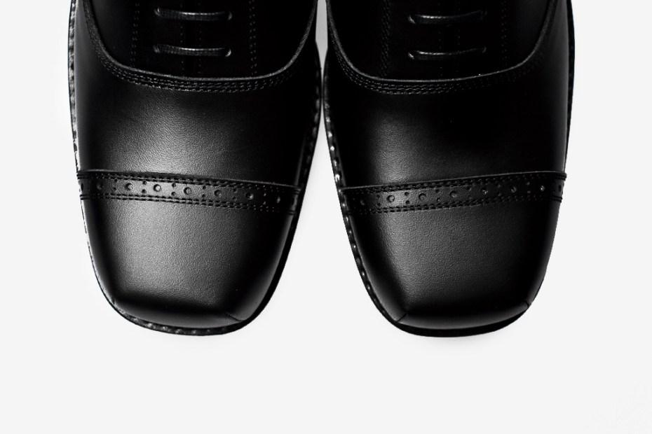 Image of COMME des GARCONS HOMME PLUS 2012 Spring/Summer Oxford Shoe