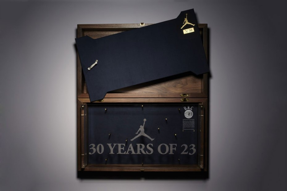 Image of Jordan x Converse 2012 Commemorative Pack