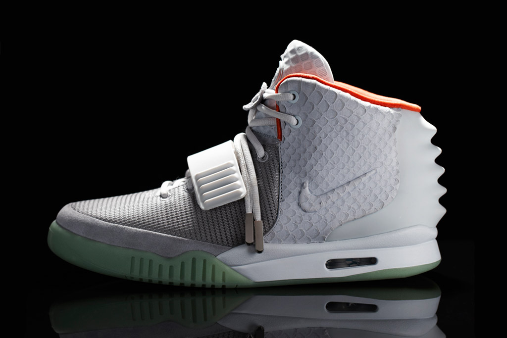 "Nike Air Yeezy 2 ""Red October"" Gets Release Date. by: Joseph On Tuesday,  December 24, 2013. Tags: Air Yeezy 2 Kanye West NIKE Red October Sneakers."