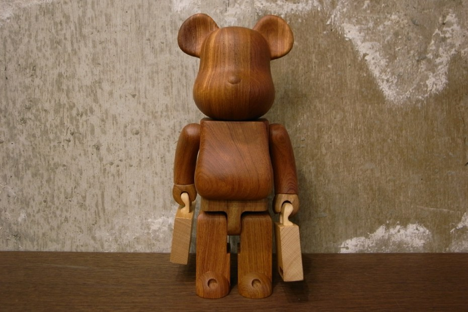 Image of Porter x Karimoku x Medicom Toy 400% Bearbrick