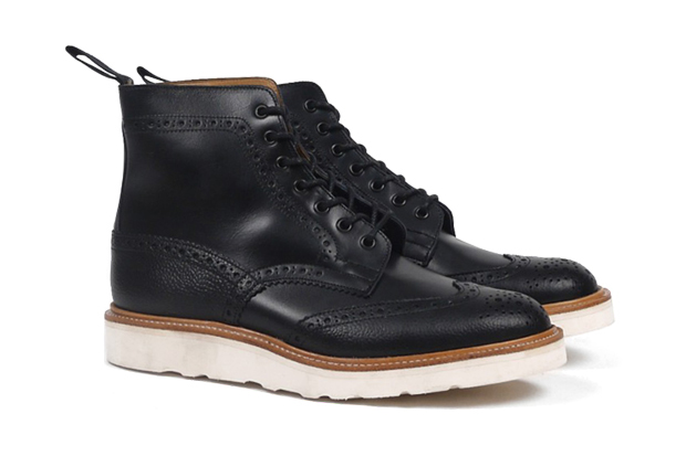 Image of Tricker&#039;s for PRESENT Two-Tone Brogue Boot