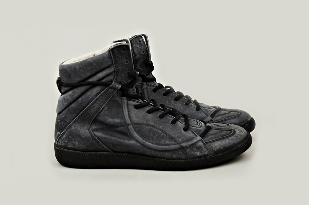 Image of Maison Martin Margiela 2012 Fall/Winter Muffa Vintage Treatment Sneaker