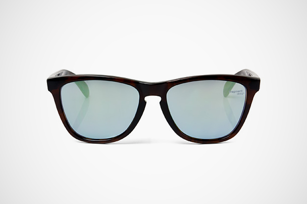 Image of fragment design x Oakley Frogskins Sunglasses