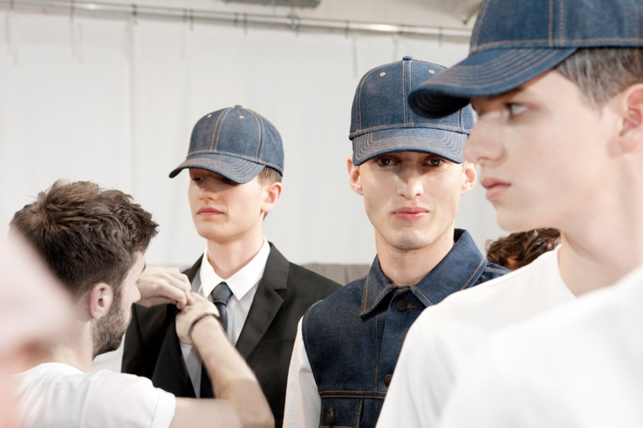 Image of KRISVANASSCHE 2013 Spring/Summer Runway Show and Backstage Visuals
