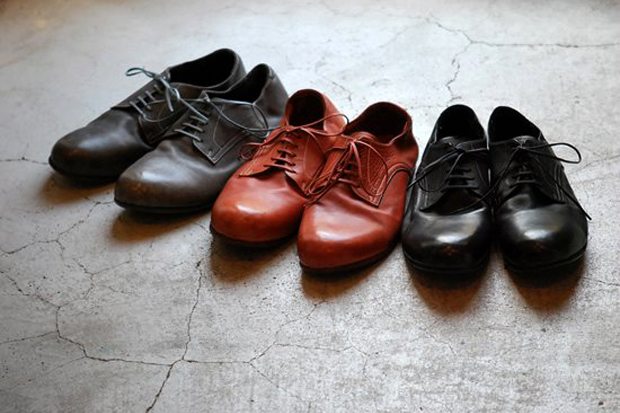 Image of Roberu 2012 Fall/Winter Piece-Dyed Shoes
