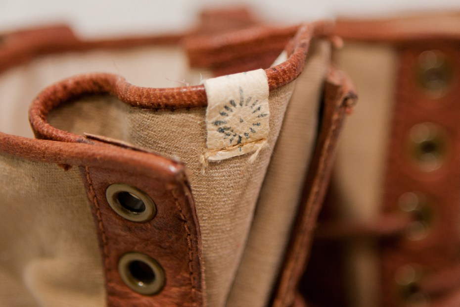 Image of visvim 2012 Fall/Winter GRIZZLY BOOTS MID-FOLK *F.I.L. EXCLUSIVE