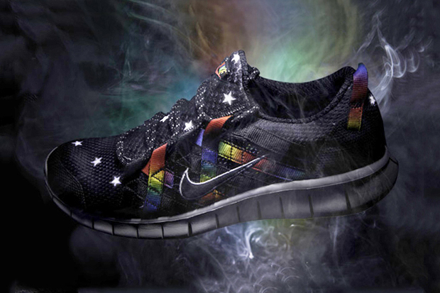 Image of atmos x Nike Free Powerlines+ Black/Rainbow