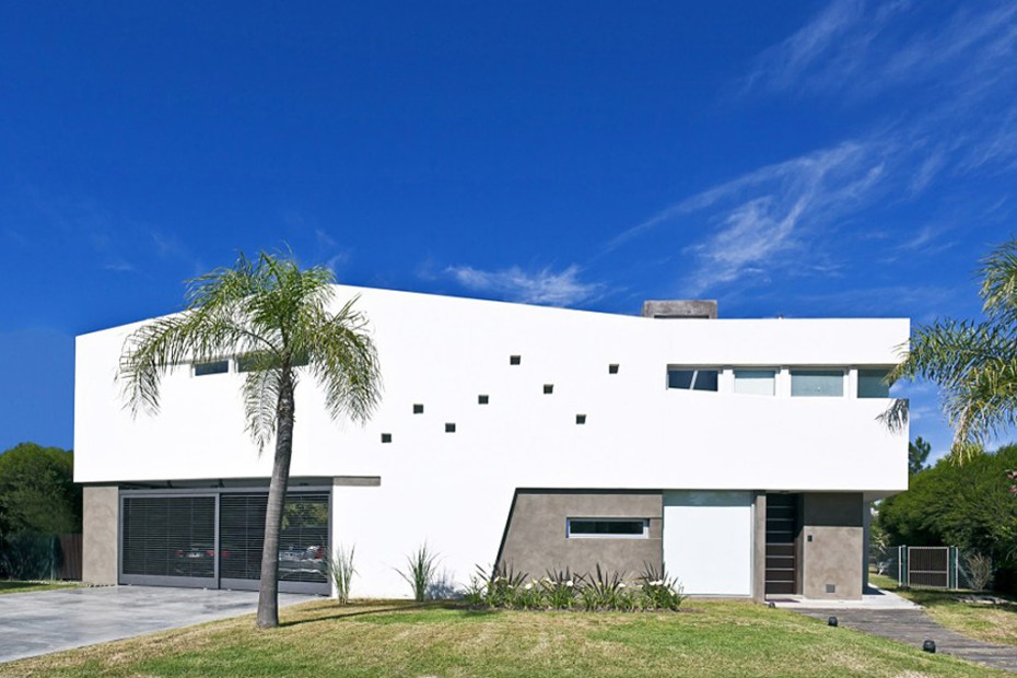 Image of House V by I + GC [arquitectura]