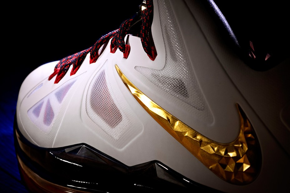 Image of Nike Debuts the LEBRON X