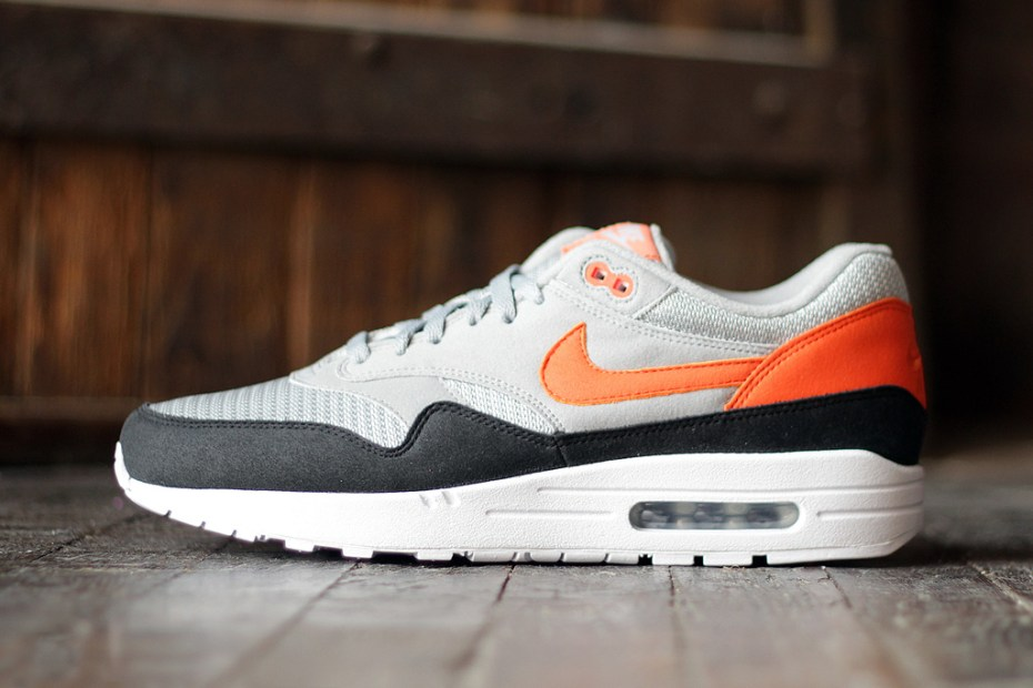 Image of Social Status x MAX100 x Nike Air Max 1 First Five Shoes Revealed