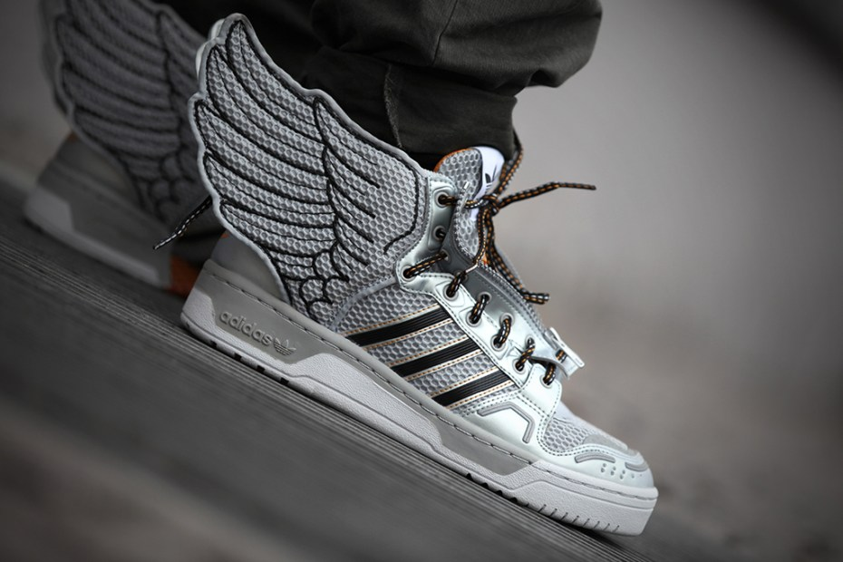 Image of adidas Originals by Jeremy Scott JS Wings 2.0 Metallic Silver