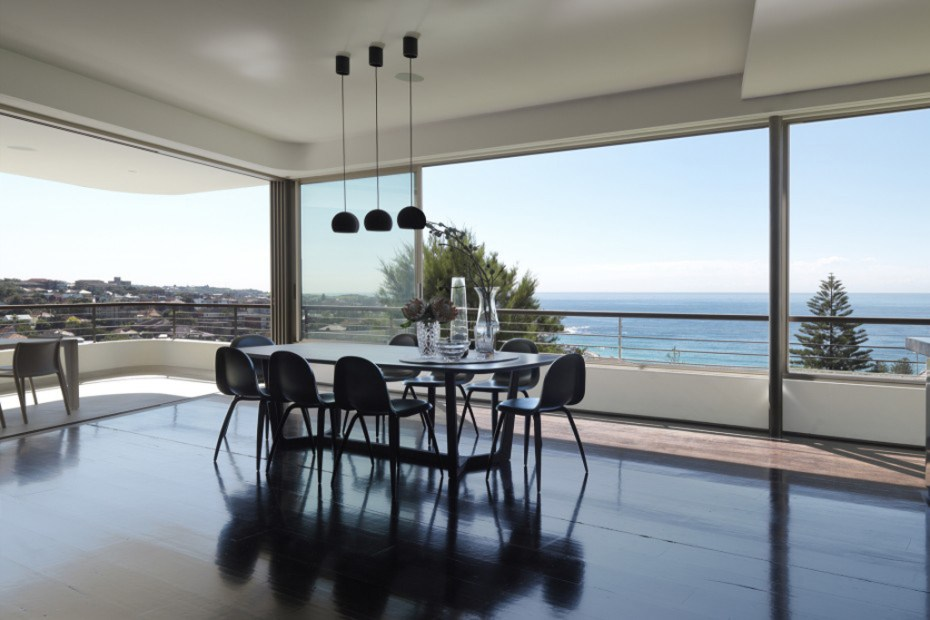 Image of Balcony Over Bronte by Luigi Rosselli Architects