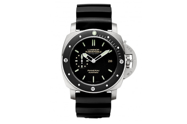 Image of Panerai PAM 389 Luminor Submersible Amagnetic Watch