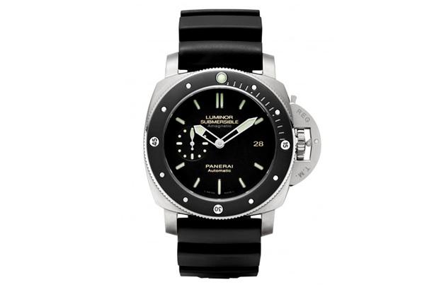 Image of Panerai PAM 389 Luminor Submersible Amagnetic Watch