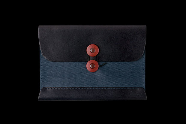 Image of POSTALCO Postcard Wallet