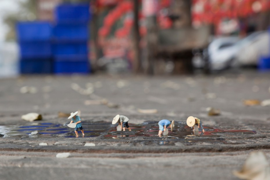 "Image of Slinkachu ""Global Model Village"" Exhibition @ Andipa Gallery and Broome Street Gallery"