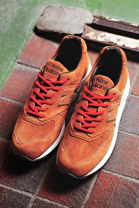 "Image of Stussy x realmadHECTIC x New Balance ML999 ""Selle Francais"" Sneaker"