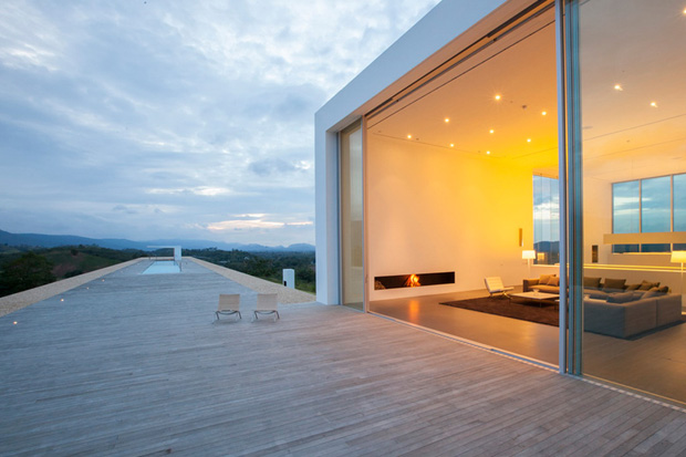 Image of 150m Weekend House by Shinichi Ogawa & Associates