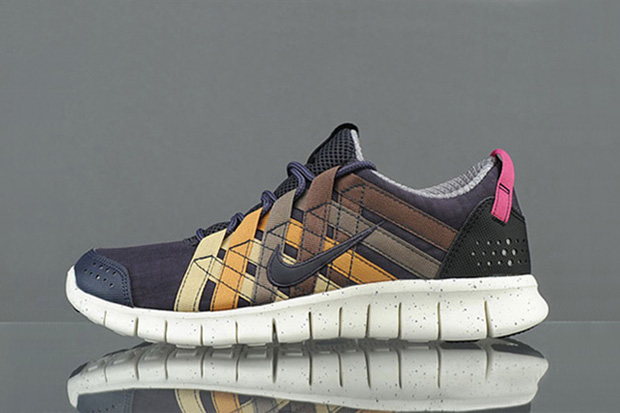 Image of Nike Free Powerlines+ QS