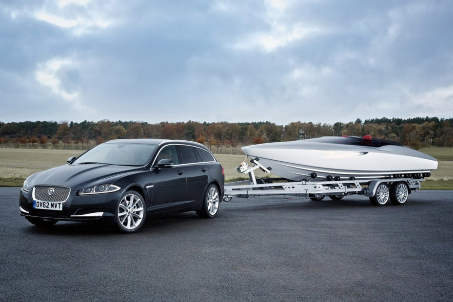 Image of Jaguar's Concept Speedboat Accompanies New XF Sportbrake