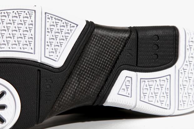 Image of Li-Ning Drops Dwyane Wade's New Signature Shoe