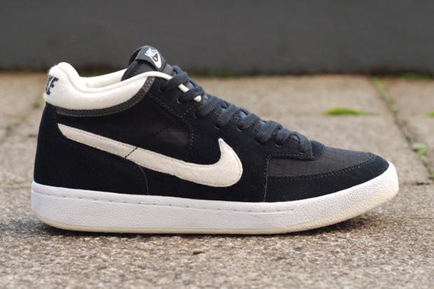 Image of Nike Challenge Court Mid Suede/Ripstop