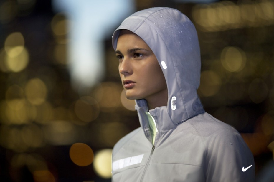 Image of Nike&#039;s 2012 Fall/Winter Running Apparel Collection Keeps You Safe and Warm