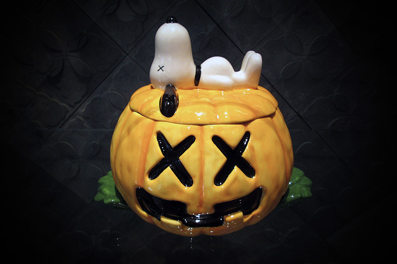 Image of OriginalFake x Medicom Toy KAWS CERAMIC SNOOPY