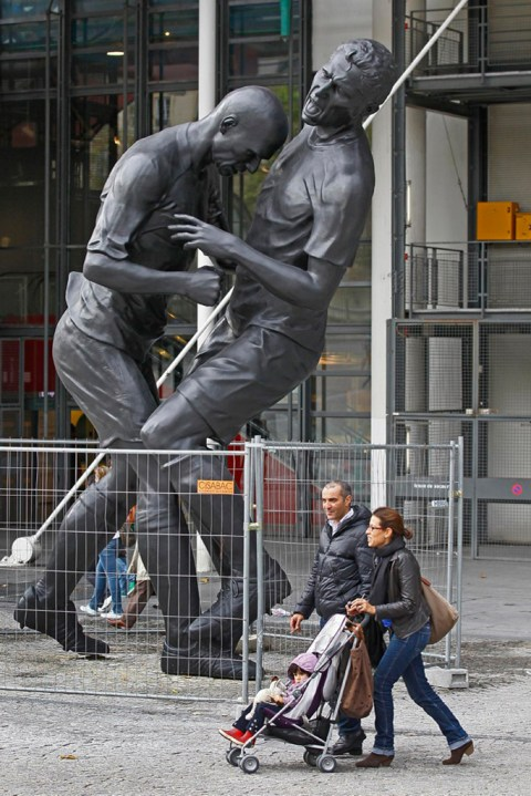 Image of Zinedine Zidane Immortalized with Headbutt Statue by Adel Abdessemed