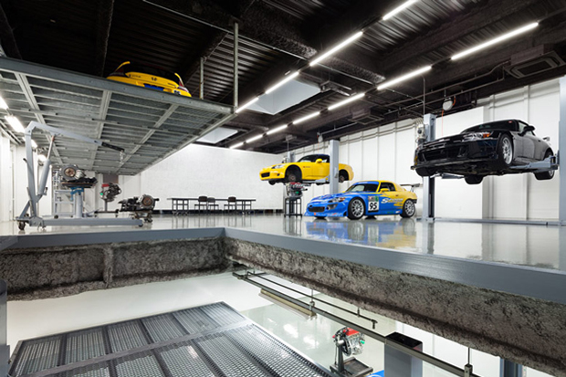 Image of A Stunning Garage: Speedshop Type One by Torafu Architects