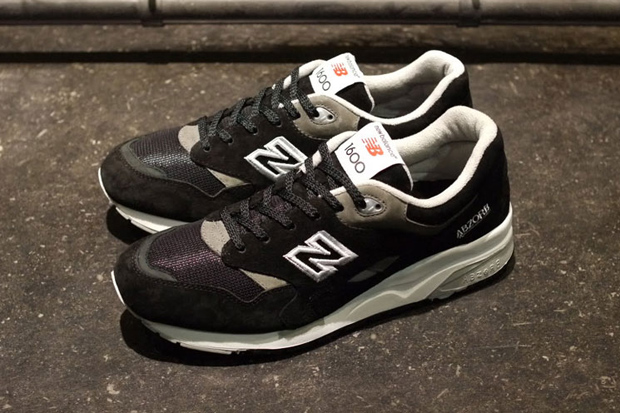 Image of New Balance 2012 Winter CM1600 Black and Red Pack