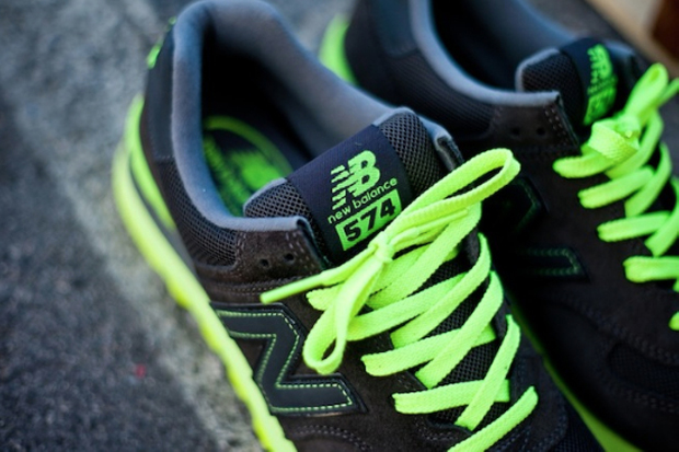 Image of New Balance 574 Black/Neon