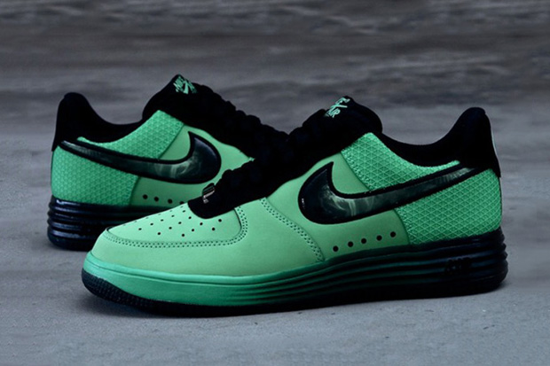 "Image of Nike Lunar Force 1 ""Hero"" Pack"