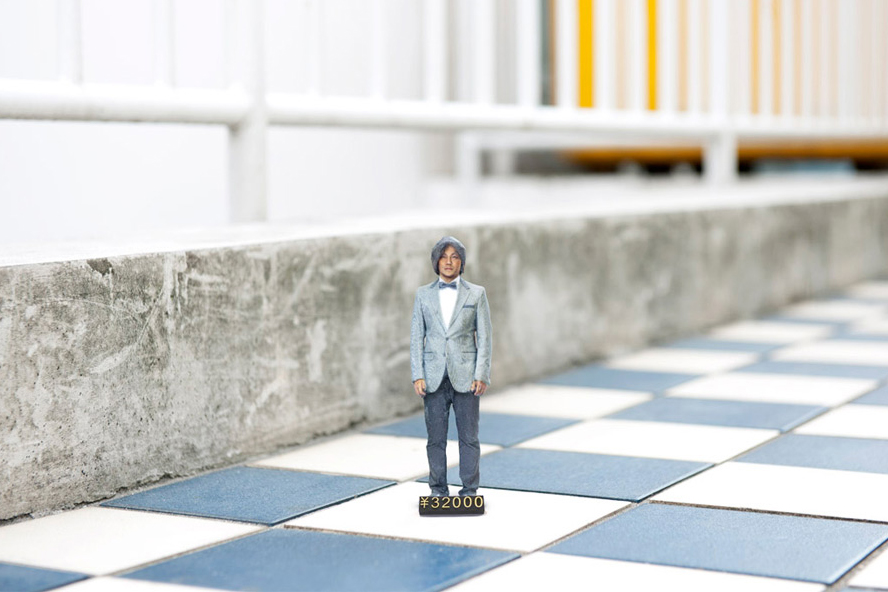 Image of Omote 3D Photo Booth Creates Life-Like Miniature Replicas