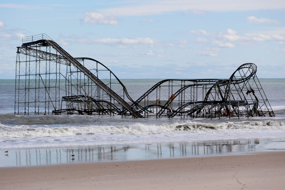 Image of Picking Up the Pieces in the Aftermath of Hurricane Sandy